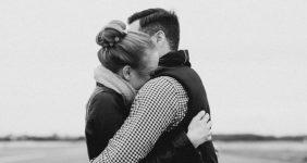 hugs 1062x598 1 282x150 - یکدیگر را بغل کنید تا کمتر به دکتر بروید